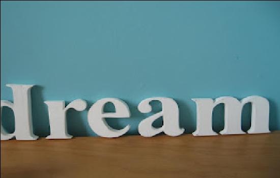10 Mimpi Yang Sering Dialami dan Artinya